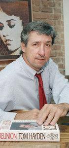 Savaş karşıtı yazar hayatını kaybetti