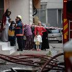 Kağıthane'de çıkan yangın mahalleyi sokağa döktü