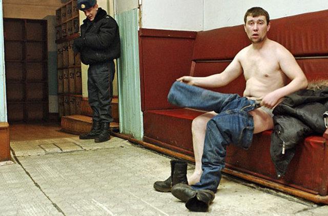 Rusya uyardı: Çırılçıplak soyar, yatağa bağlarız!