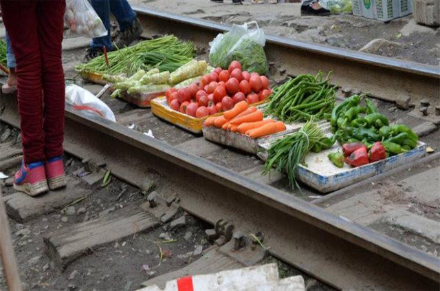 Tren yolu pazarı