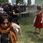 """Gezi'de kırmızılı kadına gaz sıkan polis için """"FETÖ mağduru"""" başvurusu"""