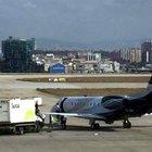 Atatürk Havalimanı'nda ikram kamyonu özel jete çarptı