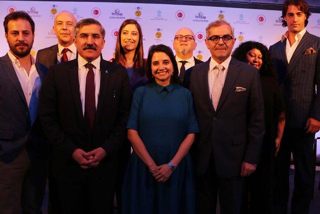 Türk dizilerinden Mumbai Film Festivali çıkartması!