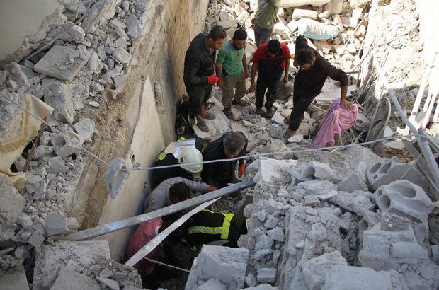 İdlib'de okulu bombaladılar!