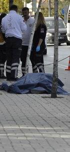 Eski kız arkadaşı ile yanındaki kişiyi vurup intihar etti