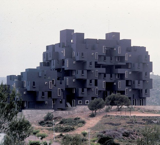 Dünyanın en ilginç yapıları, En ilginç binalar
