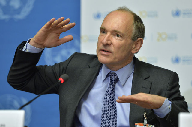 İnternetin babası Tim Berners-Lee Oxford'a geri döndü