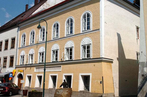Hitler'in Avusturya'daki evine ziyaretçi akını