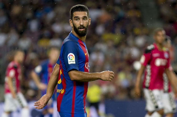 Arda Turan Barcelona Luis Suarez
