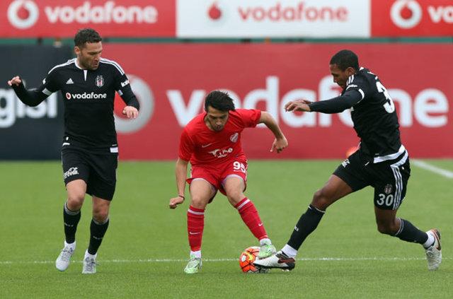 Beşiktaş'ta Marcelo ve Tosic savunmada güven veriyor