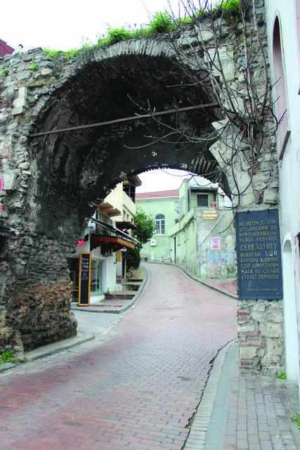 İstanbul'un en ünlü delileri ve divaneleri!
