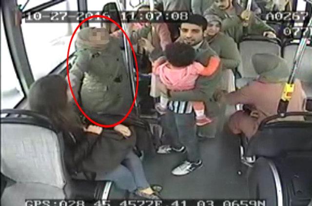 İstanbul'da halk otobüsünde doğum kamerada