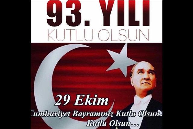 Ünlülerin 29 Ekim Cumhuriyet Bayramı paylaşımları