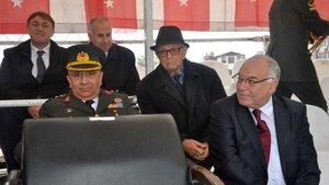 Sakarya'da AK Parti İl Başkanı protokolde öne oturunca MHP'li vekil tepki gösterdi