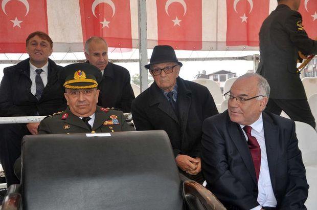 AK Partili il başkanı öne oturunca MHP'li vekil...