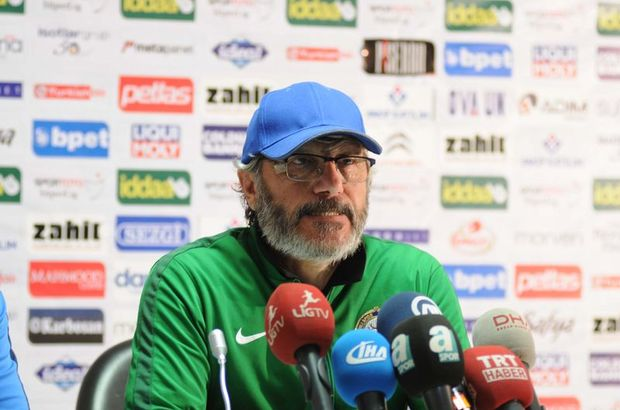Mustafa Reşit Akçay: Erken yediğimiz gol bizi aşağıya çekti
