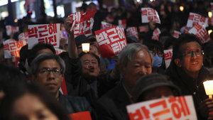 Güney Kore halkı Park'ın istifasını istedi