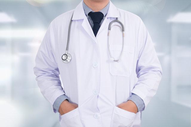Sigara içen erkeklere 'gırtlak kanseri' uyarısı