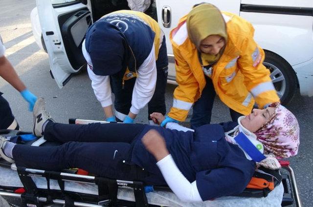 Konya'da kaza yapan hemşire gözyaşlarına hakim olamadı