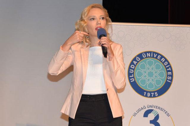 TRT spikeri Tijen Karaş: Ortaokula kadar kekemeydim!