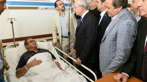 Kılıçdaroğlu, Aydın'da silahlı saldırıya uğrayan Bülent Tezcan'ı ziyaret etti