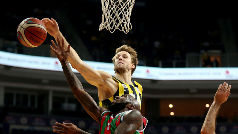 Fenerbahçe: 84 - Karşıyaka: 75