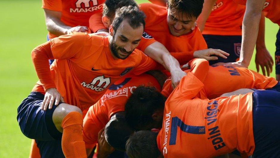 Başakşehir: 5 - Akhisar Belediyespor: 1 maç özeti