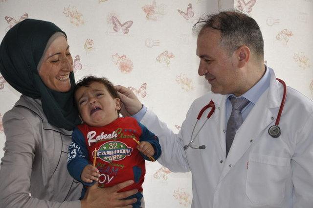 Suriyeli minik Fatıma, dünyada nadir görülen hastalığı yendi