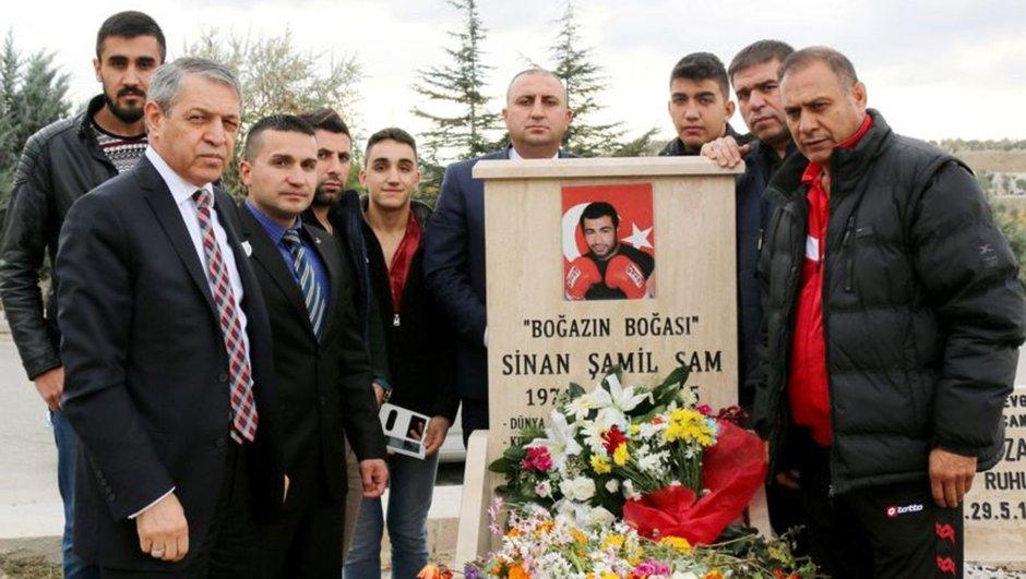 Sinan Şamil Sam