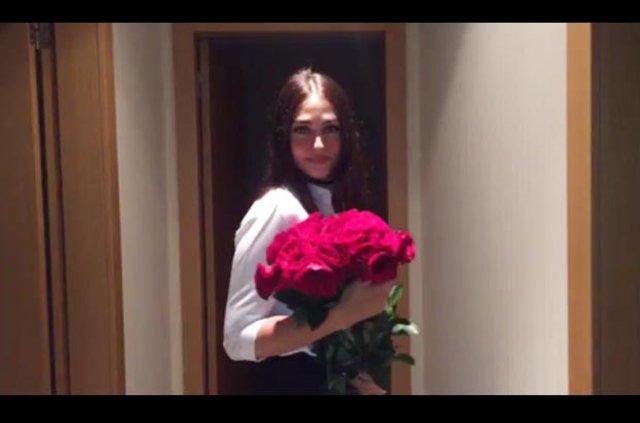 Gökhan Töre ile Esra Bilgiç nişanlandı