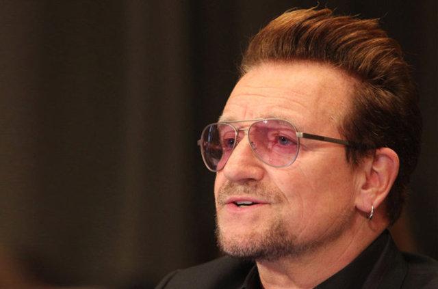"""Glamour Dergisi'nin geleneksel """"Yılın Kadını"""" ödül töreninin adı Bono için değiştirildi."""