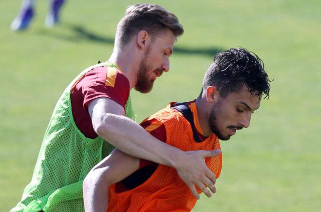 Galatasaray'ın bu sezon en pahalı transferi olan Serdar Aziz, Riekerink yüzünden ilk 11'de görev almıyor