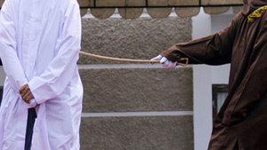 Suudi Arabistan'da bir prense kırbaç cezası verildi