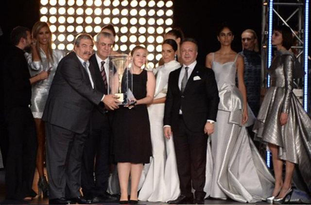 11. İstanbul Uluslararası Kumaş Tasarım Yarışması'na ünlü akını