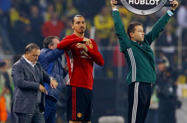 Zlatan İbrahimovic Kjaer'in boğazını sıktı