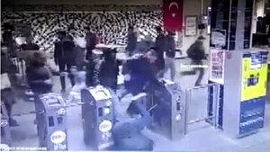 Napoli taraftarlarının Şirinevler Metrosu'nda çıkarttığı olaylar kamerada