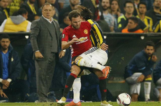 Advocaat'ın Manchester United maçı taktiği