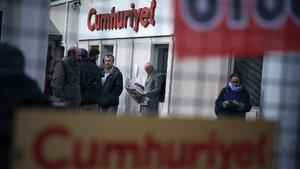 Cumhuriyet Gazetesi soruşturmasında 9 tutuklama
