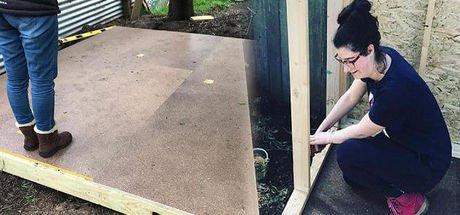 Kızı için ağaç ev inşa etti