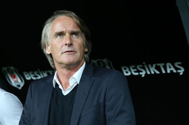Galatasaray Yönetimi, üst üste kötü sonuçların ardından teknik direktör Jan Olde Riekerink'ten rapor istedi