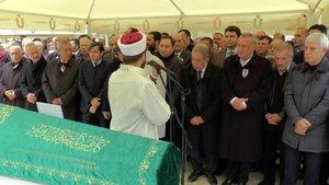 Mehmet Ağar'ın gelini Badısabah Ağar son yolculuğuna uğurlandı