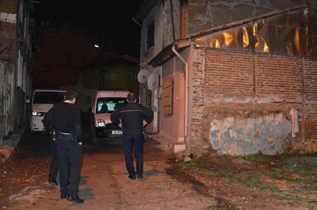 Bursa'daki cinayetten sonra gizlendiği çatıda yakalandı