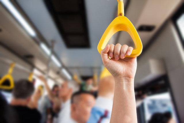 Toplu taşıma araçlarındaki tutaçlara dikkat!
