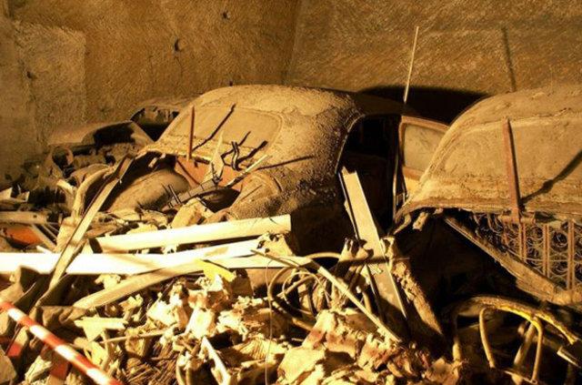 Terk edilmiş araç mezarlığı