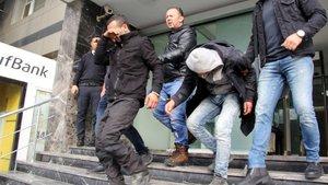 Atatürk Havalimanı'nda müdahale edilen şüphelilerden biri serbest bırakıldı