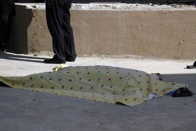 Tadilat yaparken 10'uncu kattan düşüp öldü