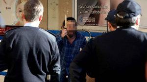 İşyeri sahibi, zabıta ve polise bıçakla direndi