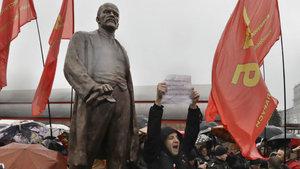 Belarus'ta Lenin heykeli dikildi