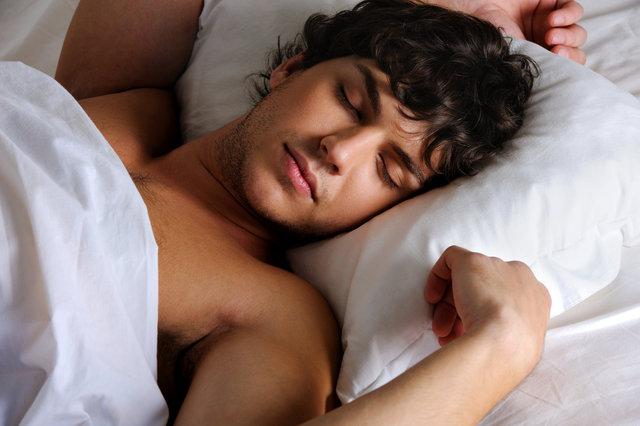 """""""10 saatten fazla uyuyan erkekte kanser gelişiyor"""""""
