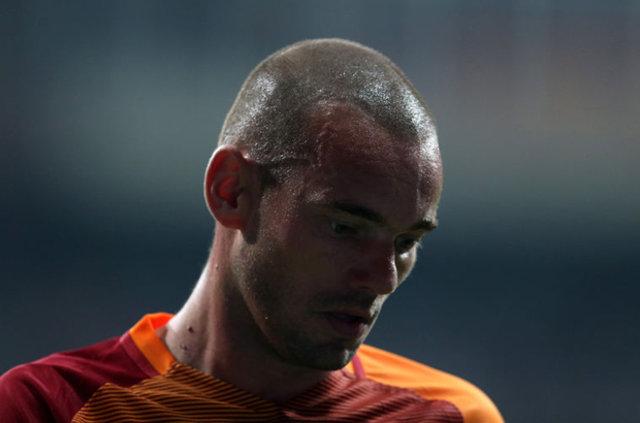 Galatasaray'da Sneijder'in sözleri tartışılıyor